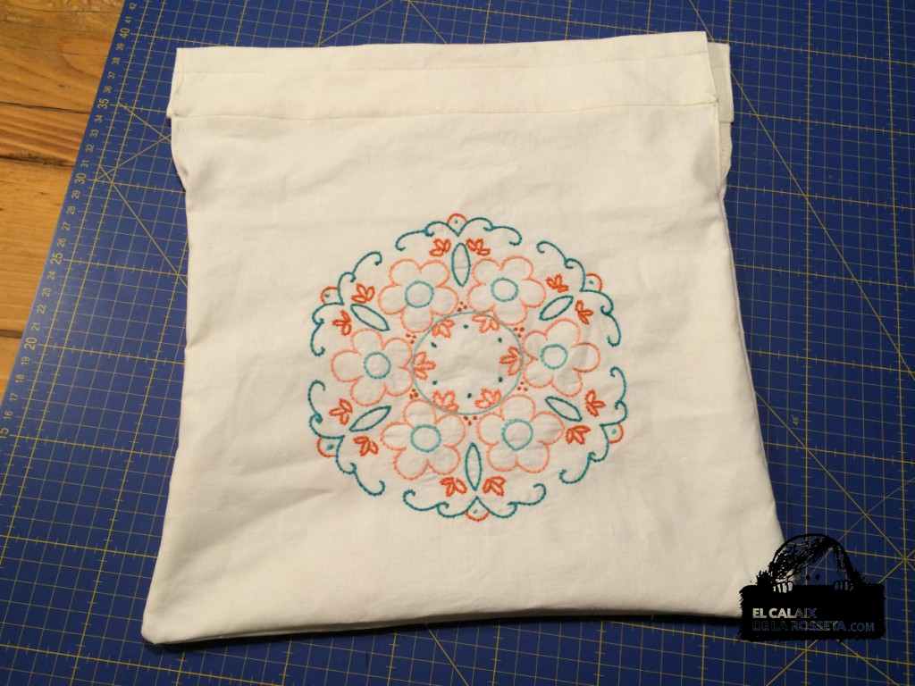 bolsa bordada de flores