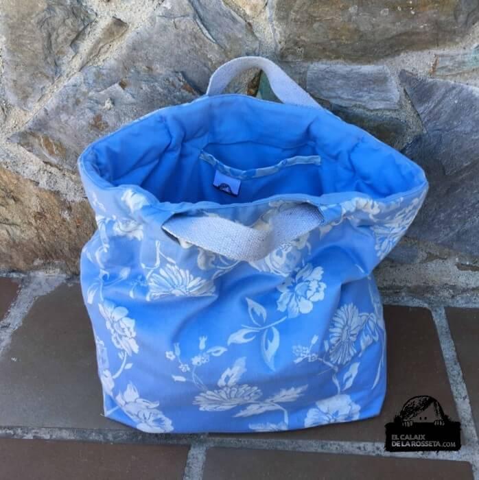 Bolsa tipo capazo con tela de colchón en azul para Noe